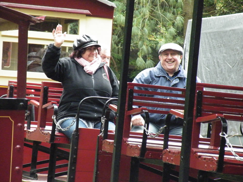 We're on a train! (Joyce & Paul experiencing a new form of travel)