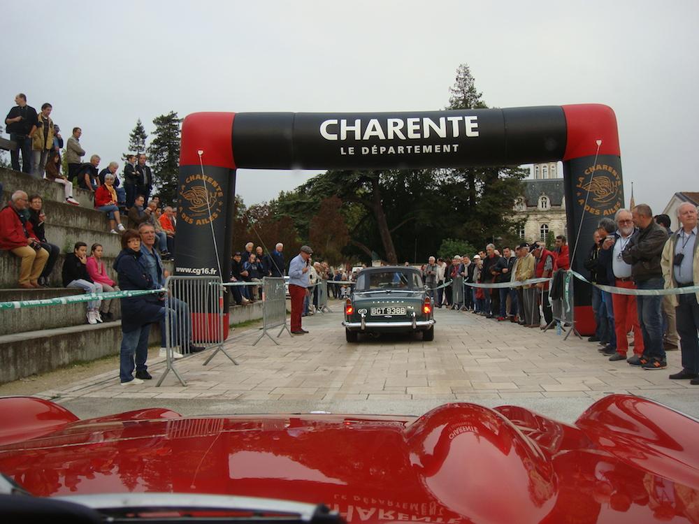 Start of the International Rally - Angouleme 2015